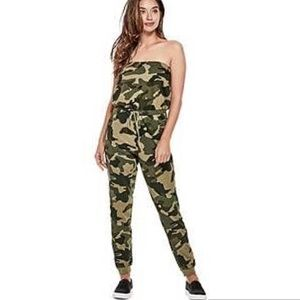 Guess camo print strapless fleece jumpsuit sz S